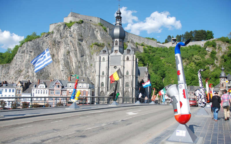 Dinant : its collegiate church, its citadel and its saxophones